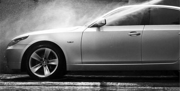 Удаление пыли и грязи с плоскости кузова