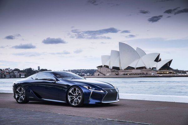 Первый водородный автомобиль, который выпустят в декабре этого года
