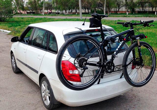 Выбираем багажник для велосипеда на фаркоп и заднюю дверь