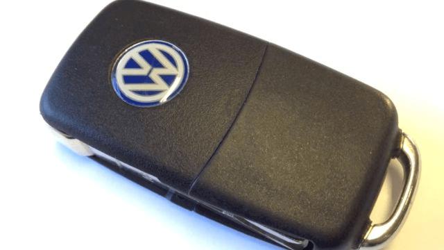 Как поменять батарейку в ключе автомобиля «Фольксваген» за 1 минуту?