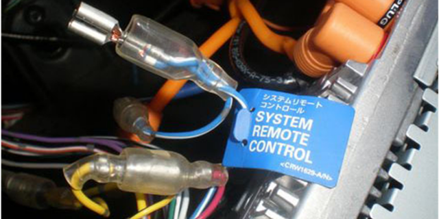 Как подключить сабвуфер в машине, к магнитоле и усилителю