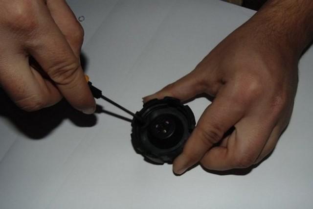 Как проверить работу крышки расширительного бачка на автомобиле ВАЗ