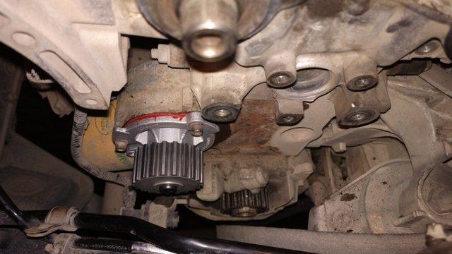 Как поменять помпу насоса на автомомобиле Лада Приора